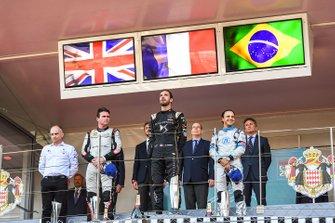Winnaar Jean-Eric Vergne, DS TECHEETAH met Oliver Rowland, Nissan e.Dams en Felipe Massa, Venturi Formula E