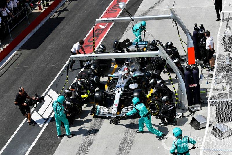 Lewis Hamilton parou na sequência