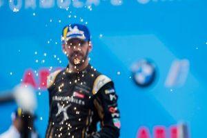 Jean-Eric Vergne, DS TECHEETAH, 3rd position, celebrates on the podium