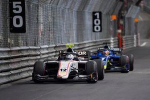 Хуан Мануэль Корреа, Sauber Junior Team by Charouz, и Луи Делетраз, Carlin