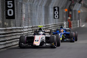 Juan Manuel Correa, Sauber Junior Team by Charouz, leads Louis Deletraz, Carlin
