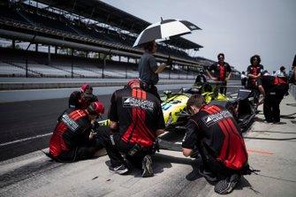 Sebastien Bourdais, Dale Coyne Racing with Vasser-Sullivan Hondam, crew