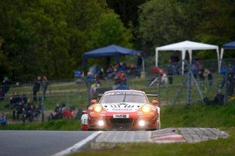 #30 Frikadelli Racing Team Porsche 911 GT3 R: Klaus Abbelen, Alexander Müller