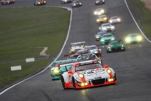 #12 Manthey Racing Porsche 911 GT3 R: Otto Klohs, Dennis Olsen