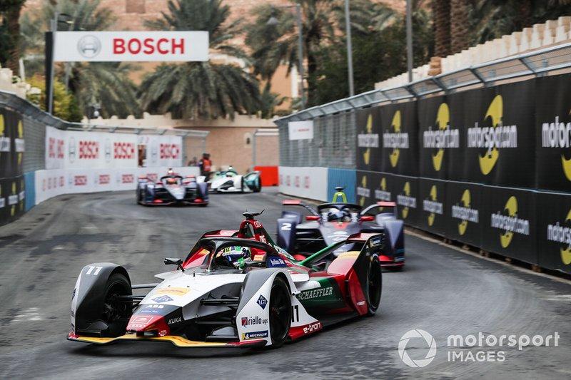 Lucas Di Grassi, Audi Sport ABT Schaeffler, Audi e-tron FE05 Sam Bird, Envision Virgin Racing, Audi e-tron FE05