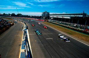 Start zum GP Großbritannien 1994 in Silverstone: Damon Hill, Williams FW16, führt