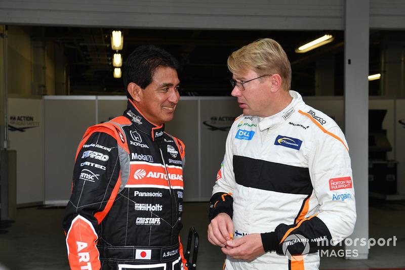 Агури Сузуки и Мика Хаккинен, Legends F1 30th Anniversary Lap Demonstration