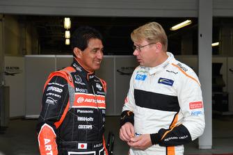 Aguri Suzuki and Mika Hakkinen at Legends F1 30th Anniversary Lap Demonstration