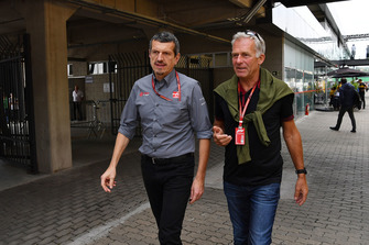 Guenther Steiner, Haas F1 Team Principal and Christian Danner