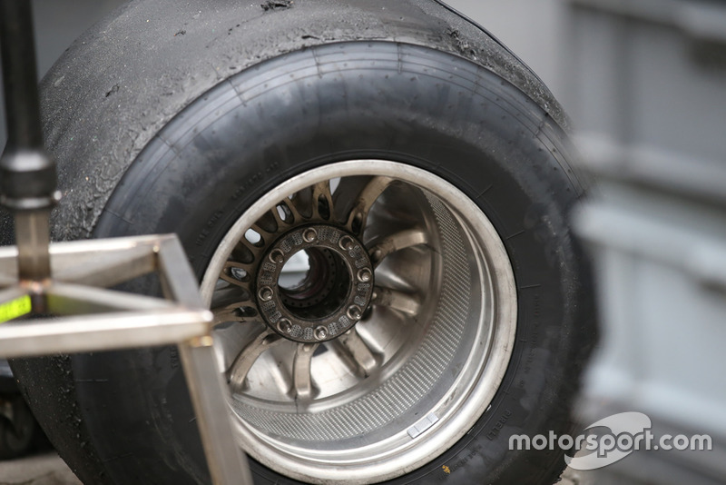 Haas F1 Team VF-18 Rear Wheel Detail