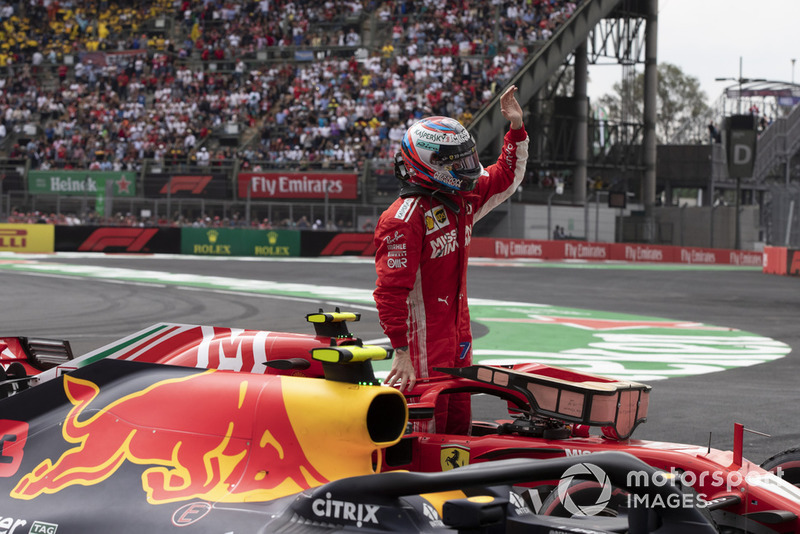 Kimi Raikkonen, Ferrari SF71H celebra en Parc Ferme