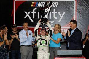 Tyler Reddick, JR Motorsports, Chevrolet Camaro BurgerFi, trophy, victory lane