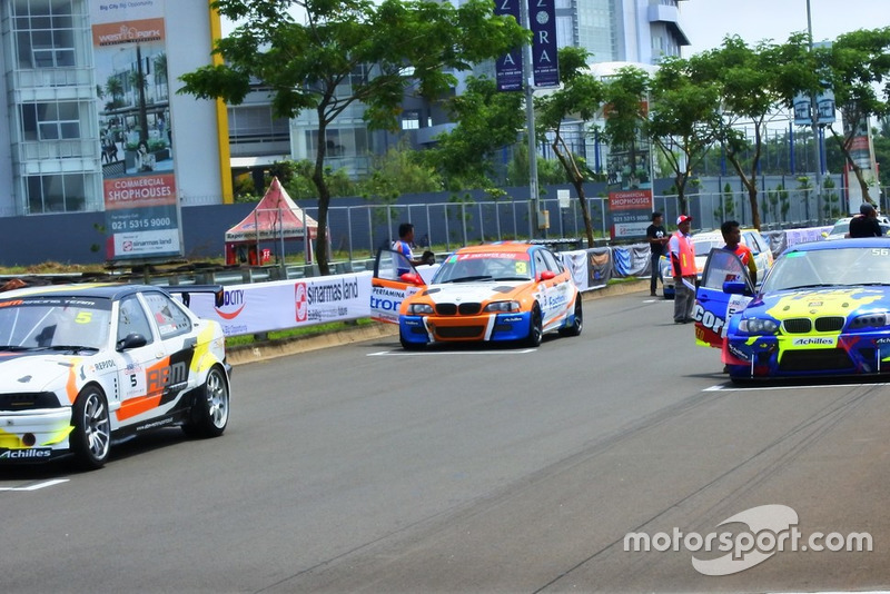 Starting grid Super Touring Championship Divisi 1