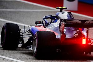 Pierre Gasly, Scuderia Toro Rosso STR13, quitte la voie des stands