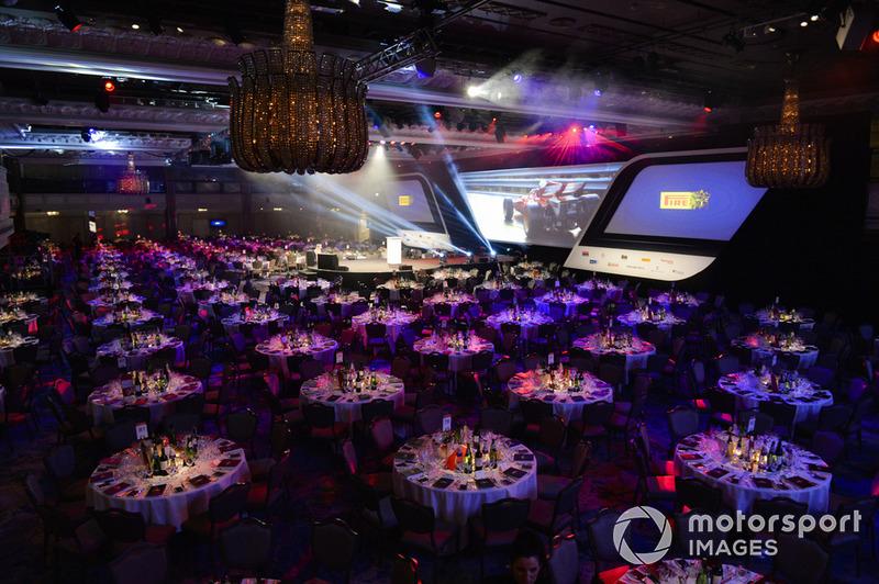 El salón Principal con el patrocinador sponsor Pirelli