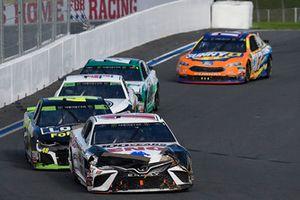 Daniel Suarez, Joe Gibbs Racing, Toyota Camry Lenox, Jimmie Johnson, Hendrick Motorsports, Chevrolet Camaro Lowe's for Pros