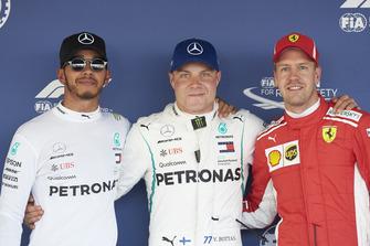Top 3 Qualifiche, Lewis Hamilton, Mercedes AMG F1, il poleman Valtteri Bottas, Mercedes AMG F1, e Sebastian Vettel, Ferrari