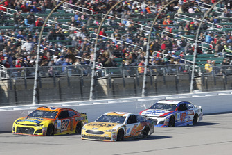 Chris Buescher, JTG Daugherty Racing, Chevrolet Camaro Bush's Chili Beans, Trevor Bayne, Roush Fenway Racing, Ford Fusion AdvoCare Rehydrate, A.J. Allmendinger, JTG Daugherty Racing, Chevrolet Camaro Kroger ClickList