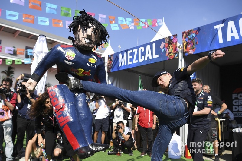 Max Verstappen, Red Bull Racing plays pinata