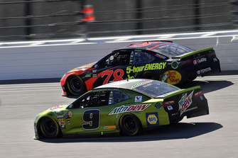 Chase Elliott, Hendrick Motorsports, Chevrolet Camaro Mountain Dew e Martin Truex Jr., Furniture Row Racing, Toyota Camry Bass Pro Shops/5-hour ENERGY