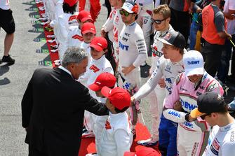 Чейз Кэри и пилот Scuderia Toro Rosso Брендон Хартли