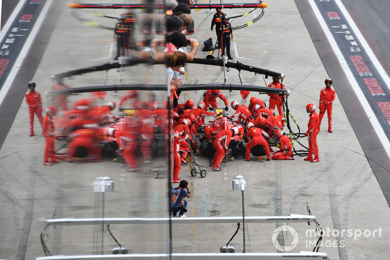Sebastian Vettel, Ferrari SF71H pit stop
