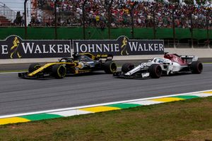 Nico Hulkenberg, Renault Sport F1 Team R.S. 18 y Marcus Ericsson, Sauber C37
