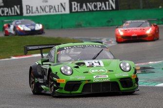 #54 Dinamic Motorsport Porsche 911 GT3 R: Andrea Rizzoli, Klaus Bachler, Zaid Ashkanani