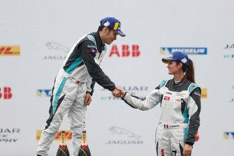Célia Martin, Viessman Jaguar eTROPHY Team Germany, 3rd position, congratulates PRO AM winner Yaqi Zhang, Team China