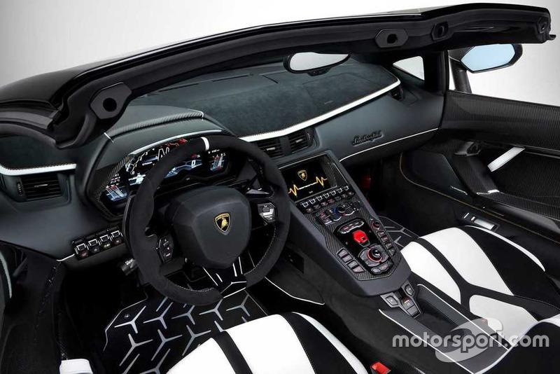 2019 Lamborghini Aventador SVJ Roadster