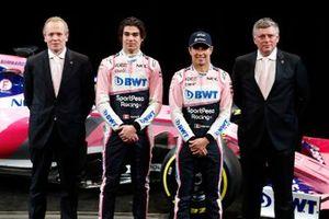 Технический директор Racing Point F1 Team Эндрю Грин, гонщики Лэнс Стролл и Серхио Перес, руководитель команды Отмар Сафнауэр