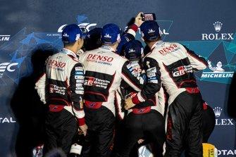 Podium: #8 Toyota Gazoo Racing Toyota TS050: Fernando Alonso, #7 Toyota Gazoo Racing Toyota TS050: Mike Conway, Kamui Kobayashi, Jose Maria Lopez