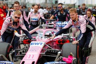 Sergio Perez, Racing Point RP19, arrive sur la grille