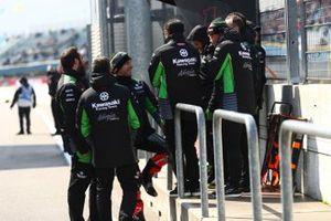 Jonathan Rea, Kawasaki Racing scherza con il suo team