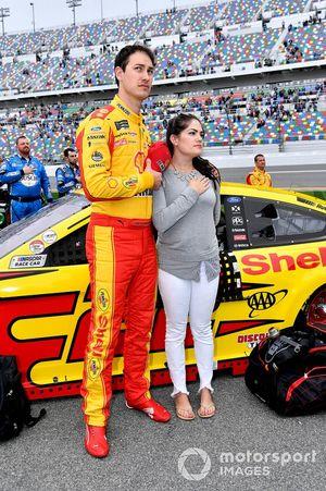 Joey Logano, Team Penske, mit Ehefrau Brittany