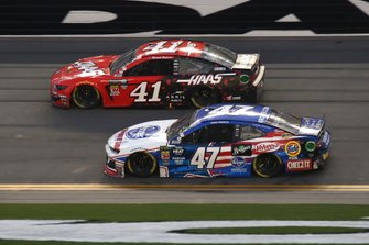Daniel Suarez, Stewart-Haas Racing, Ford Mustang Haas Automation Ryan Preece, JTG Daugherty Racing, Chevrolet Camaro Kroger.com