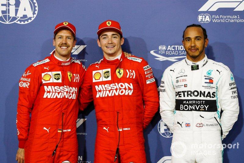 Себастьян Феттель, Ferrari, Шарль Леклер, Ferrari та Льюіс Хемілтон, Mercedes AMG F1 , святкую в закритому парку