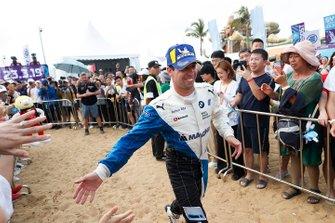 Antonio Felix da Costa, BMW I Andretti Motorsports, si dirige verso il podio