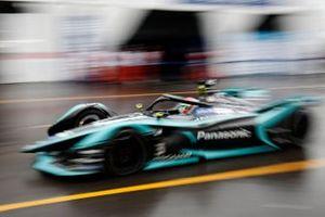 Nelson Piquet Jr., Panasonic Jaguar Racing, Jaguar I-Type 3 exits the pit lane