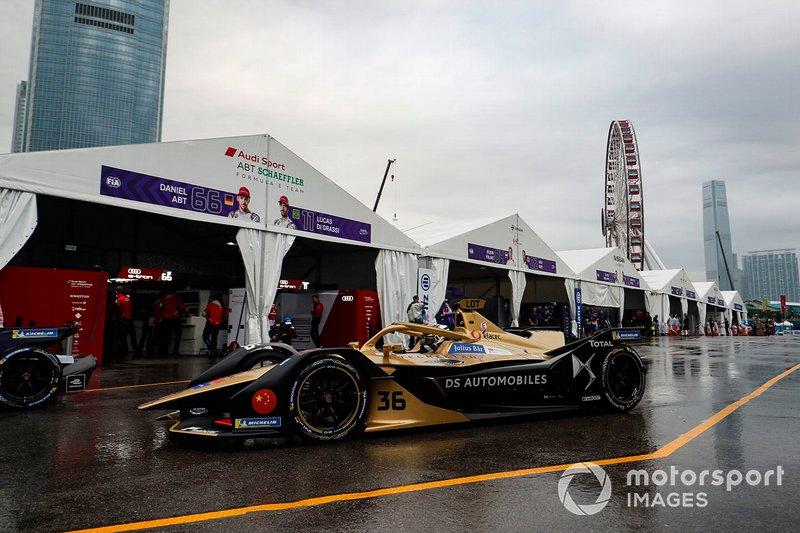 Andre Lotterer, DS TECHEETAH, DS E-Tense FE19 leaves the pit lane