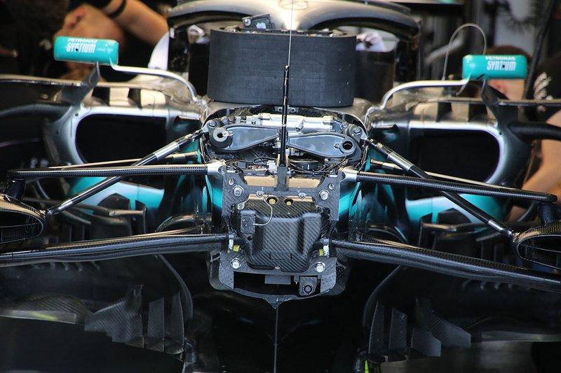 Details voorkant Mercedes AMG F1 W10