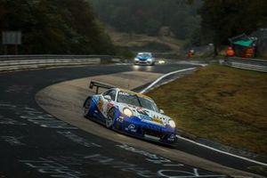 #60 Clickversicherung.De Team Porsche 911 GT3 Cup Mr: Robin Chrzanowski, Kersten Jodexnis, Peter Scharmach, Max Koch