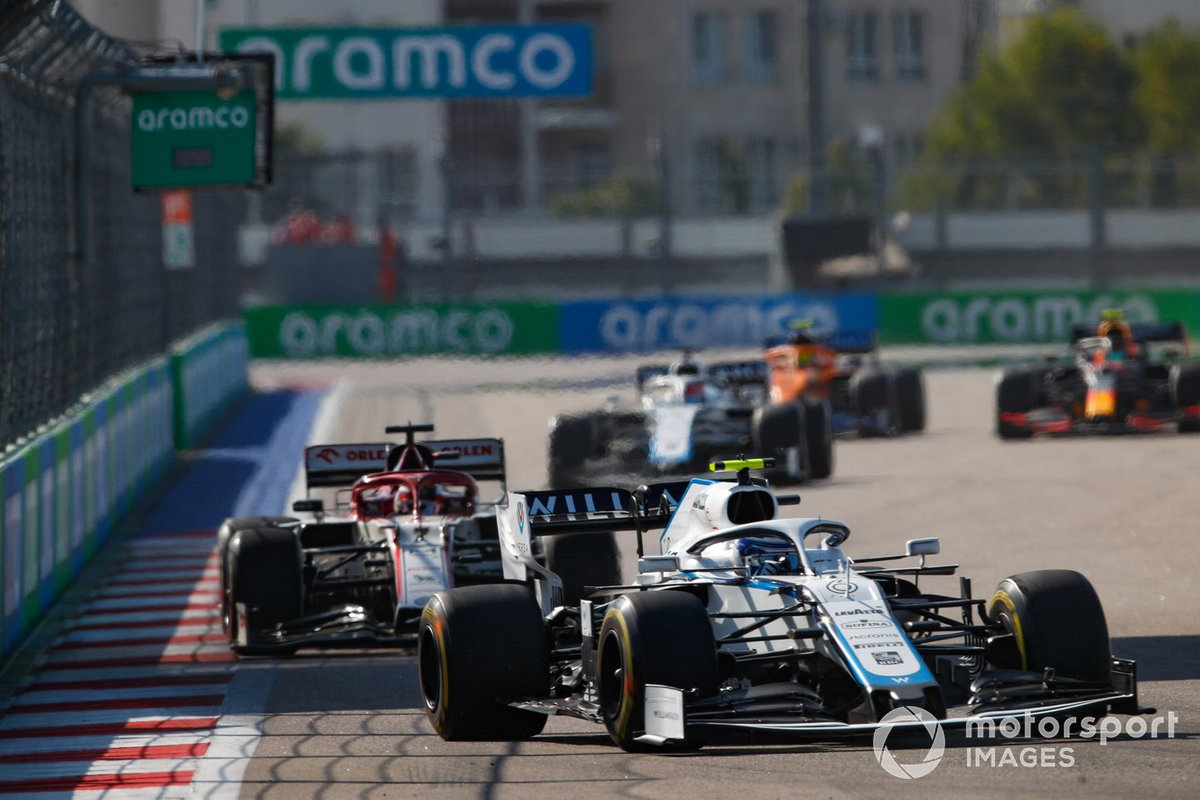 Nicholas Latifi, Williams FW43, Kimi Raikkonen, Alfa Romeo Racing C39, e George Russell, Williams FW43