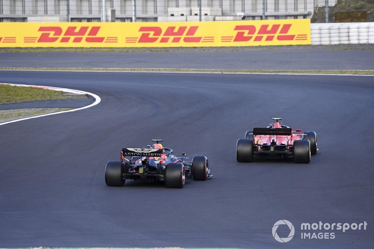 Charles Leclerc, Ferrari SF1000 e Max Verstappen, Red Bull Racing RB16