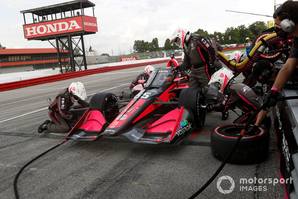 Alex Palou, Dale Coyne Racing with Team Goh Honda, pit stop