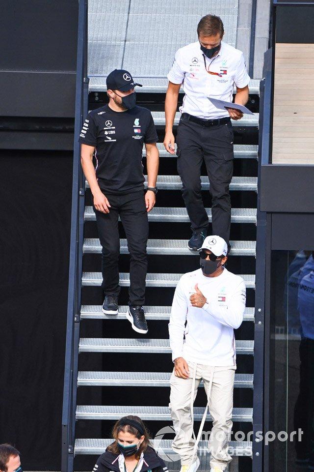 Valtteri Bottas, Mercedes-AMG Petronas F1 y Lewis Hamilton, Mercedes-AMG Petronas F1