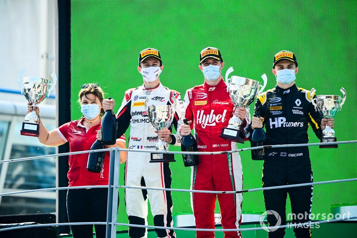 Theo Pourchaire, ART Grand Prix, Frederik Vesti, Prema Racing y Oscar Piastri, Prema Racing