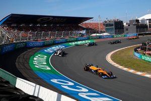 Daniel Ricciardo, McLaren MCL35M, Antonio Giovinazzi, Alfa Romeo Racing C41, and George Russell, Williams FW43B