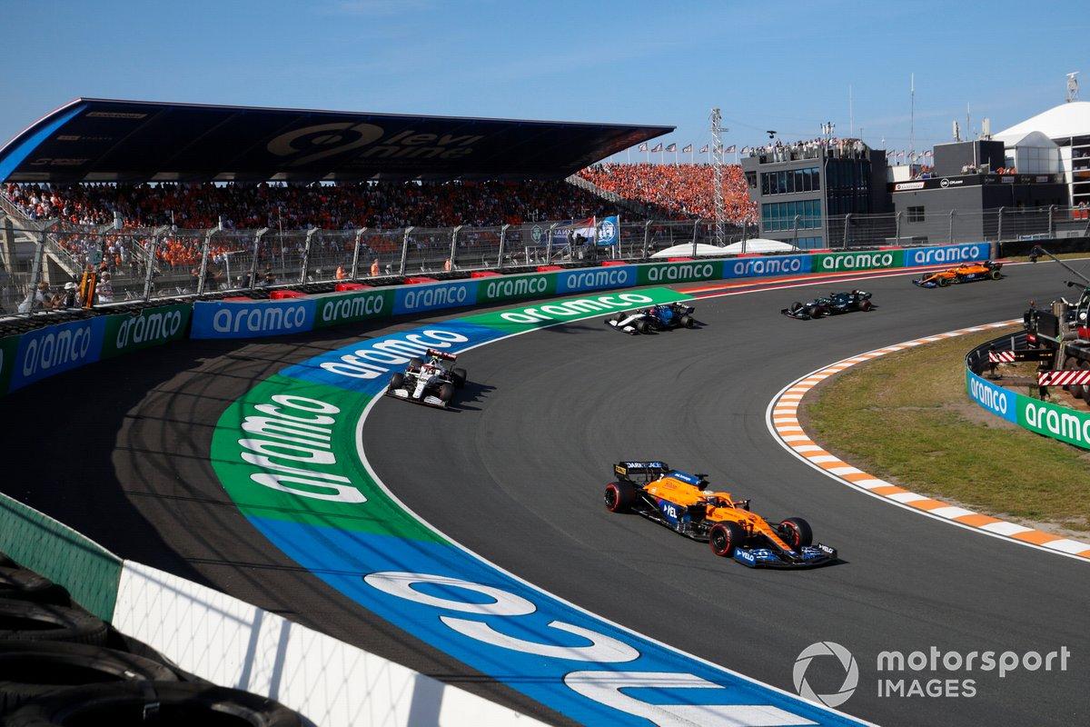 Daniel Ricciardo, McLaren MCL35M, Antonio Giovinazzi, Alfa Romeo Racing C41, George Russell, Williams FW43B