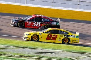 Joey Logano, Team Penske, Ford Mustang Shell Pennzoil, Anthony Alfredo, Front Row Motorsports, Ford Mustang Dockside Logistics